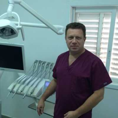 Найти лучшие цены на лечение в Тель-Авиве в Стоматологической клинике Доктора Марка Ратнера